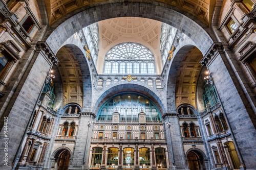 Fotobehang Antwerpen Eingangshalle des Antwerpener Bahnhofs