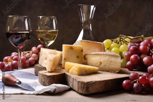 Fototapeta Wine, grapes and cheese