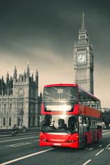 Bus in London © rabbit75_fot