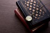 Fototapety 洋書と懐中時計