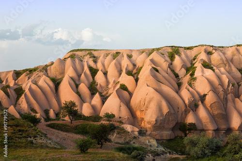 In de dag Ballon Pink rocks in Cappadocia at sunset, Turkey