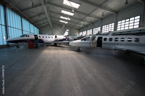 Zdjęcia Business jets under the roof