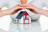 Haus wird beschützt - 92132574