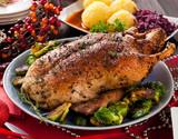 Fototapety Gebratene Ente mit Knödel und balukraut