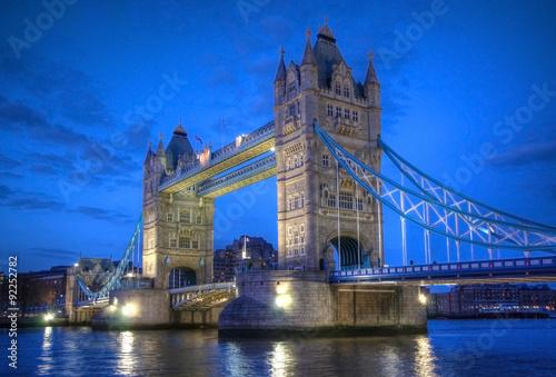 Zdjęcia na płótnie, fototapety, obrazy : Tower Bridge in London