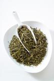 Japanischer Sencha Tee, Schälchen und Schäufelchen, weisser Un poster