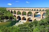 Le Pont du Gard franchissant le Gardon