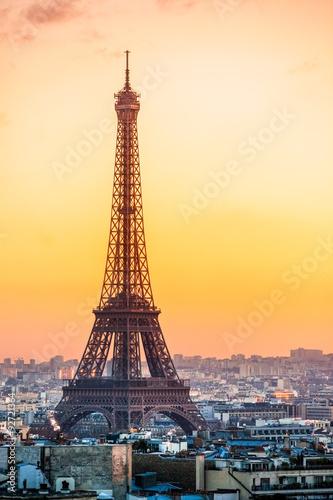Poster Eiffel tower at sunrise, Paris.