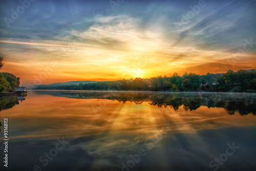 Poster Рассвет на реке
