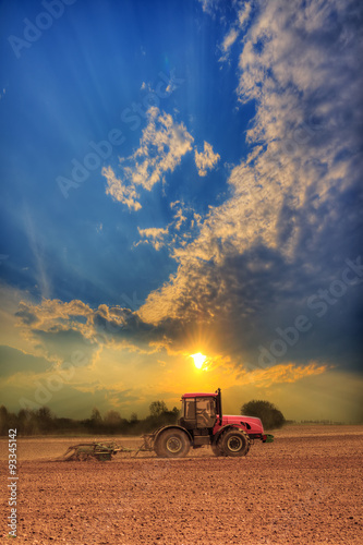 Poster Tractor in the field