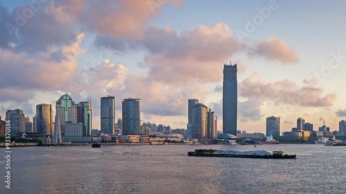 Foto op Aluminium Toronto View of shanghai at dusk during morning sunrise