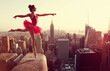 Obrazy na płótnie, fototapety, zdjęcia, fotoobrazy drukowane : Ballet Dancer in front of New York Skyline
