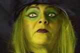 Halloween Hexe mit grünem Gesicht