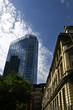 Contrato architettonico tra costruzioni antiche e moderne a Londra