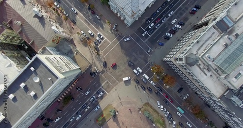 Foto op Plexiglas New York TAXI Video footage shot on quadrocopter nadir of Kiev downtown