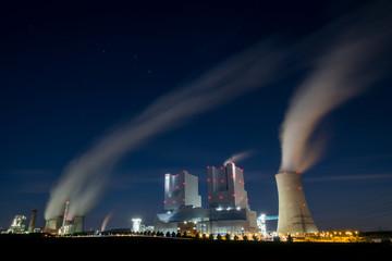 Kraftwerke Neurath 1 und 2 bei Nacht