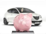 Salvadanaio porcellino risparmio auto