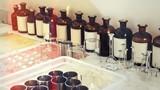 Perfume laboratory. - 94026712
