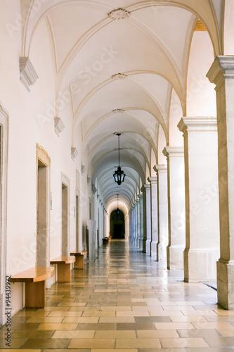 pin-melk-abbey-corridor