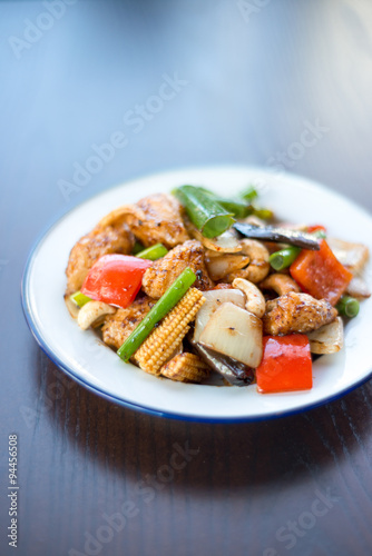 Stir fried chicken with cashew nuts delicious thai food for 4912 thai cuisine