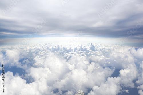 Horizonte fondo de cielo azul desde arriba. Concepto de Cielos. Concepto de viaje Avión