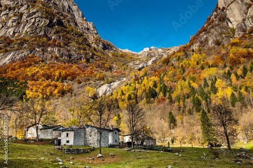 case di montagna in autunno - Val di Mello (Italy) Poster