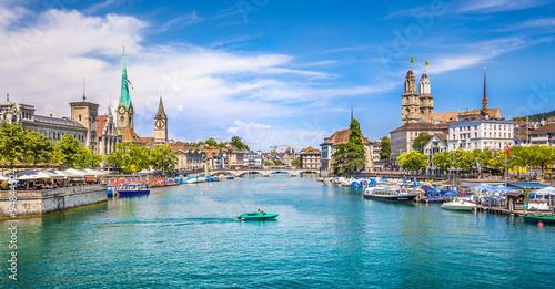 Zdjęcia na płótnie, fototapety na wymiar, obrazy na ścianę : Zürich city center with river Limmat, Switzerland