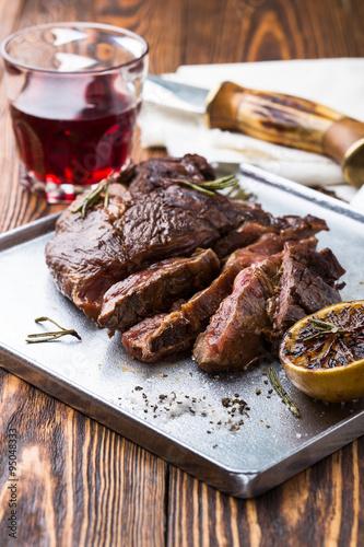 """Grilled marinated flank steak"""" zdjęć stockowych i obrazów royalty ..."""