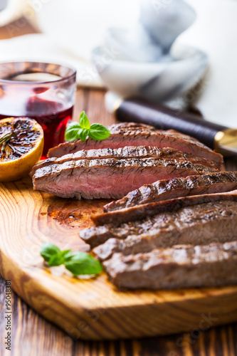 "Grilled marinated flank steak"" Imagens e fotos de stock Royalty Free ..."