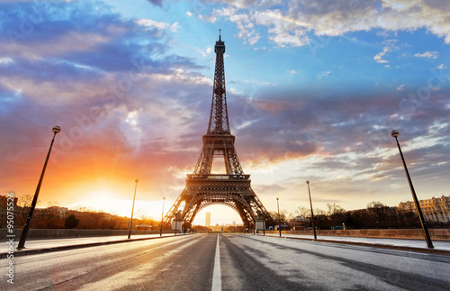 Poster, Tablou Sunrise in Paris, with Eiffel Tower