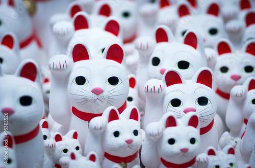 Fototapeta Goutokuji-temple Beckoning cat,tokyo,japan(豪徳寺の招き猫)