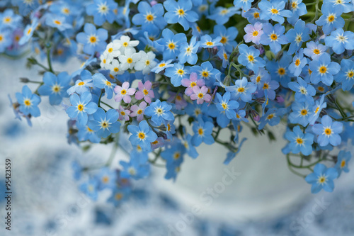 Poster Forget-me-no flowers in a vase