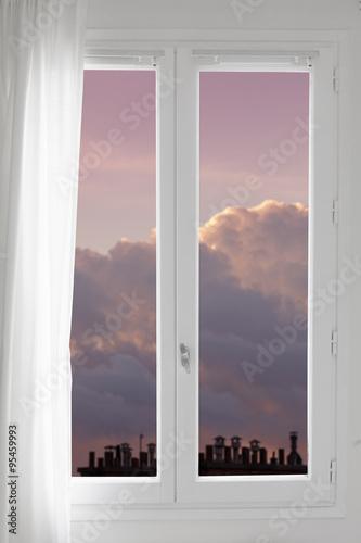 Fen tre ciel toit immeuble chemin e penser imaginer nuage for Fenetre toit ciel