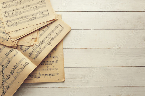 Music notes - 96076901