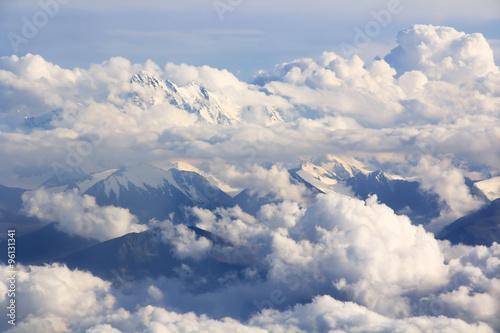Keuken foto achterwand Nieuw Zeeland Mountains and clouds - aerial view
