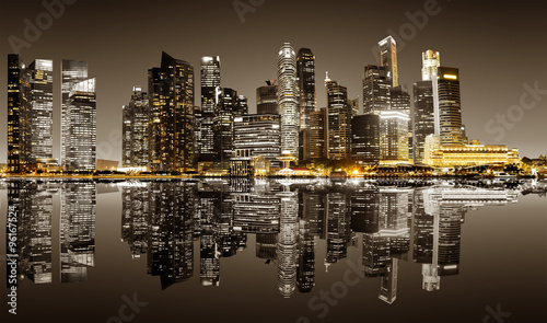 singapur-w-centrum-nocy-widok