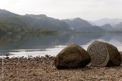 Keuken foto achterwand Nieuw Zeeland Centenary Stone, Derwent Water, Lake District, England