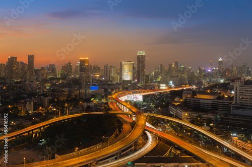 Foto op Plexiglas Kiev Beautiful skyline of Bangkok City downtown and road interchanged after sunset