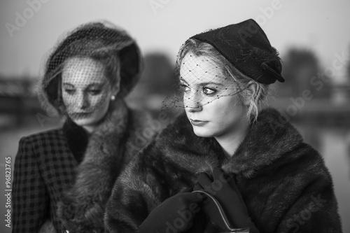 Sliko Donne anni '40 in bianco e nero