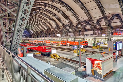 Keuken foto achterwand Antwerpen DRESDEN,GERMANY-SEPTEMBER 08,2015: Intercity train at the railwa
