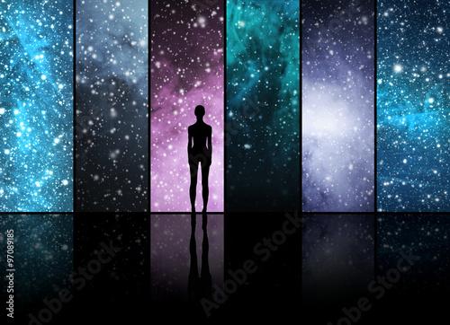 Univers, les étoiles, les constellations, les planètes et une forme extraterrestre