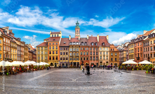 Zdjęcia na płótnie, fototapety na wymiar, obrazy na ścianę : Old town square in Warsaw