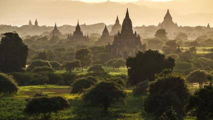 Bagan w zachód słońca, Myanmar