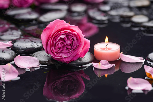 Poster, Tablou rose petals with candle and therapy stones