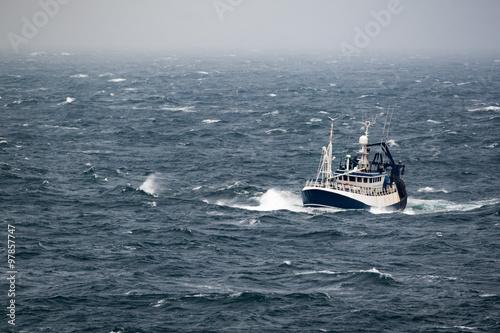 Keuken foto achterwand Schip Ship in the tempest in north sea