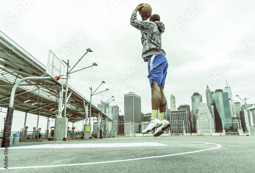 Poster Basketball player training on New york pier 1 courts