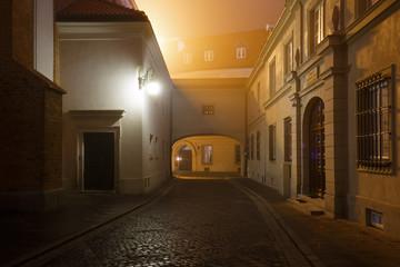 Ulicy Starego Miasta w Warszawie nocą