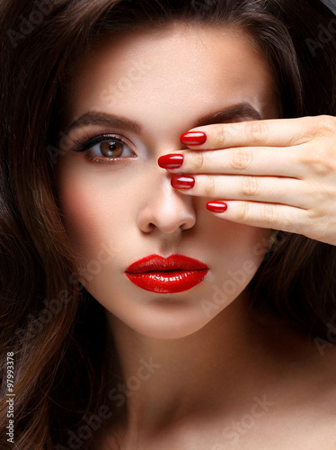 Стенна Декорация Red Sexy Lips and Nails closeup