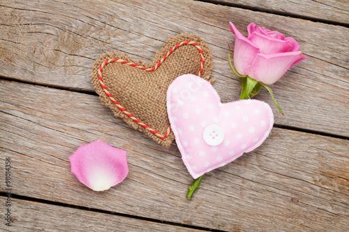 Zdjęcia na płótnie, fototapety, obrazy : Valentines day card with pink rose and handmaded toy heart