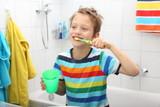 beim Zähneputzen